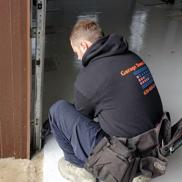 Garage door repair service in Northbrook, IL area