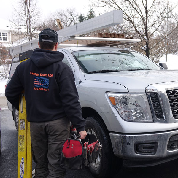 Garage door repair service in Crystal Lake, IL area